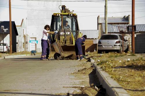 Limpieza en el Barrio 56 viviendas