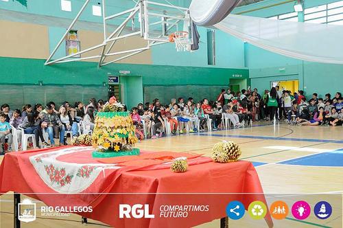 La escuela de Fútbol femenino del Lucho cerró su año de actividades con un agasajo a las pequeñas jugadoras