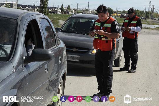 Operativos de control vehicular en distintos puntos de la ciudad